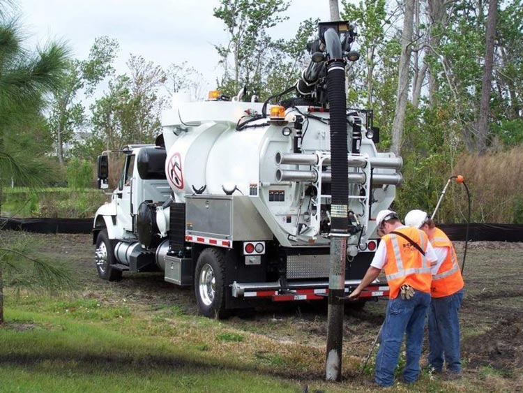 Hiring Vacuum Excavation Experts Prevents Accidents